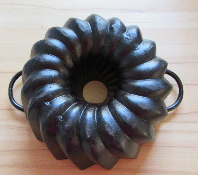 Large bundt cake pan  cast iron  heavy