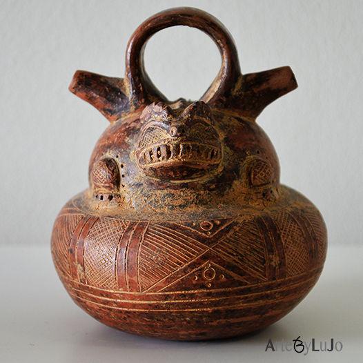 Pre-Columbian ceramics Colombia Alcarraza zoomorphic.