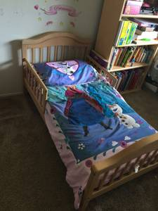 Toddler bed with mattress (Cypress)