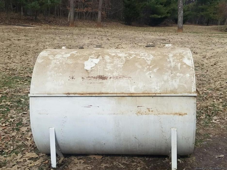 500 gallon fuel storage tank
