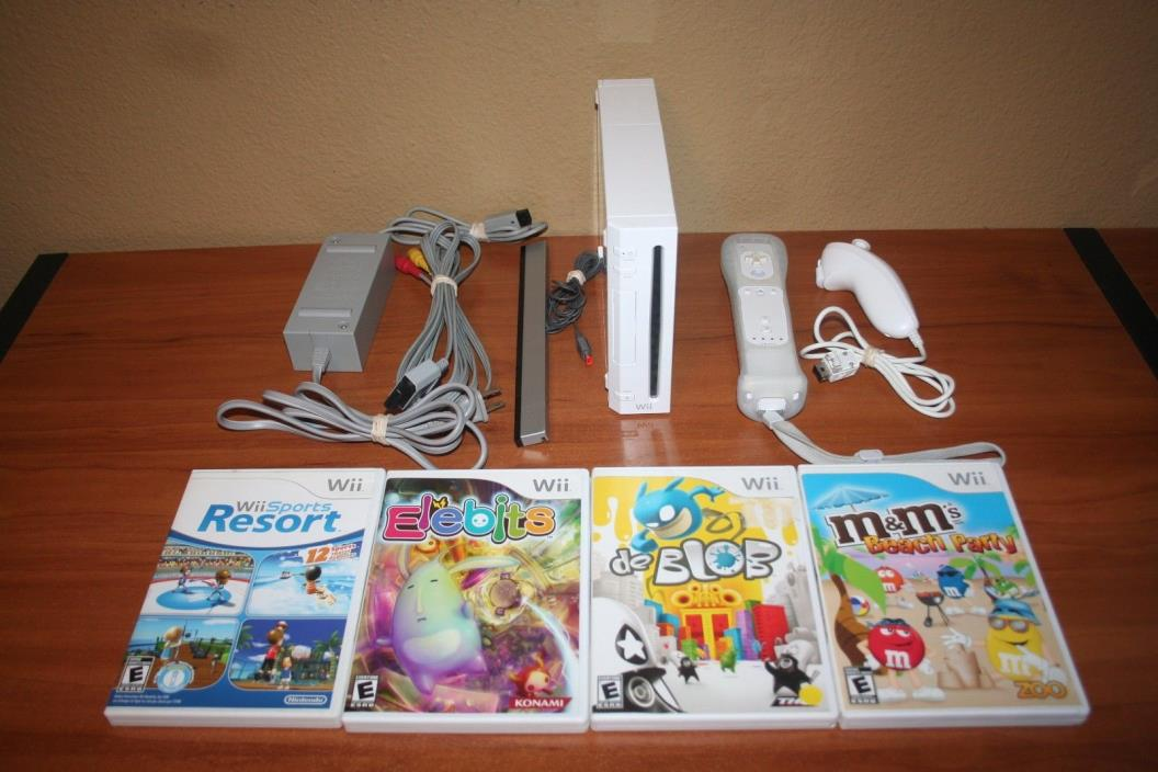 Nintendo Wii White Console Complete with 4 Games Wii Sports Resort & More