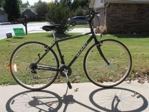 Giant cross road bike medium frame (okc)
