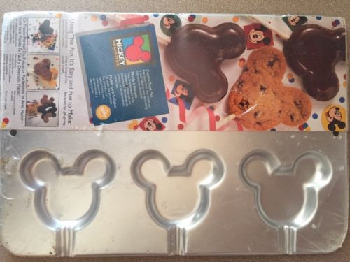 Mickey Mouse Unlimited Cookie Treat Pan Disney