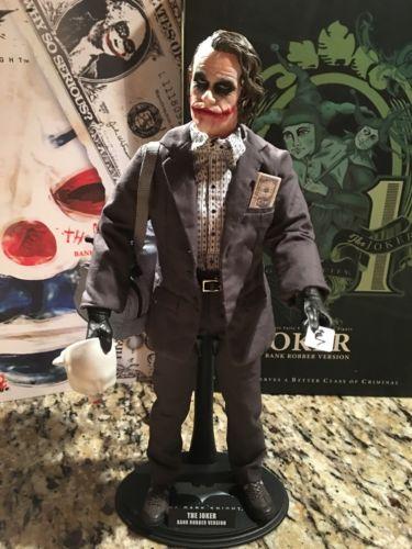 THE JOKER - Hot Toys 1/6 Scale Figure, Bank Robber Joker 1.0