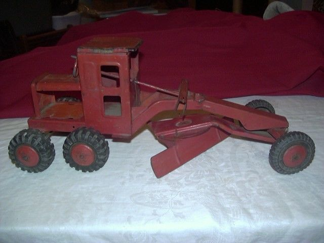VINTAGE MAR TOYS PRESSED STEEL POWER ROAD GRADER ALL WORKING PARTS 16-3/4