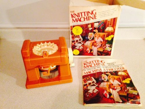 Vintage 1975 Mattel Knitting Machine With Original Box And Project Book