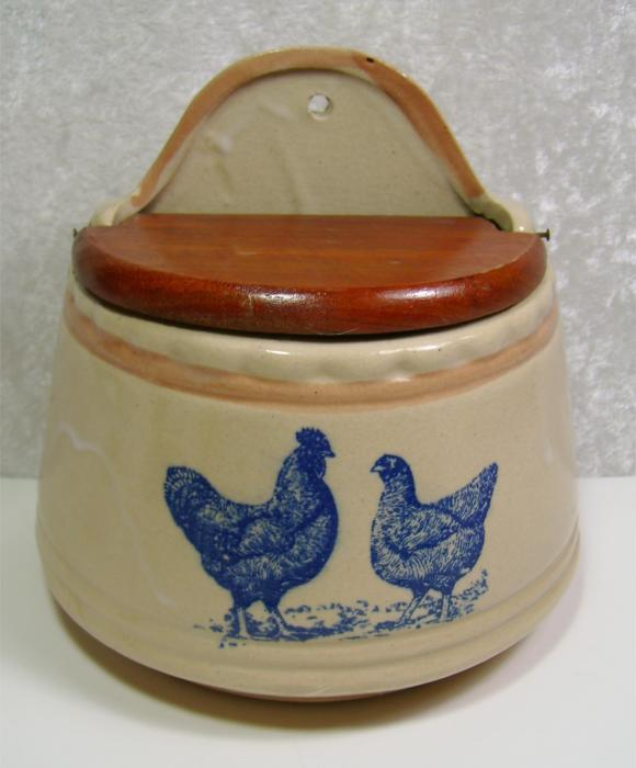 Crockery Pottery Wall Pocket Container with Lid Chicken Rooster Tan Blue Rustic