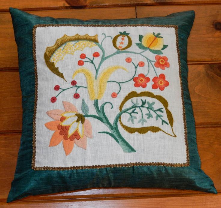 Vintage Crewel Embroidery Jacobean Flowers Pillow Finished Mid Century 19