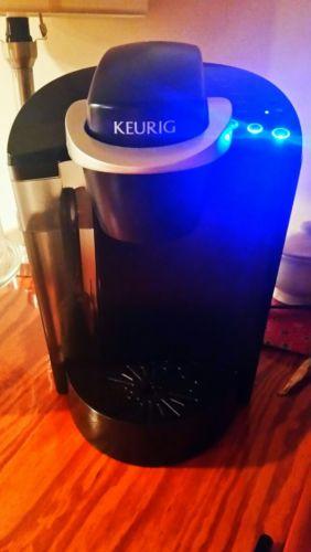 KEURIG ELITE K40/COFFEE BREWER/ COFFEE MAKER/ BARELY USED/CLEAN/EXCELLENT