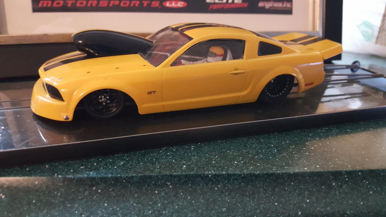 NEW MUSTANG DRAG RACE SLOT CAR FAST CONSISTANT,CUSTOM CHASSIS, S16D AMERICAN