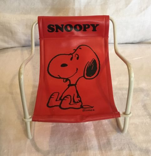 Vintage 1958 Peanuts Snoopy Red Vinyl Toy Sling Chair Hong Kong