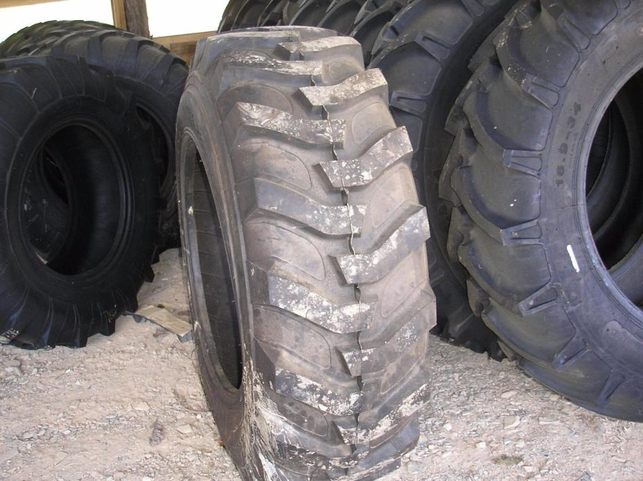 16.9-28  R4 Industrial Backhoe Tire
