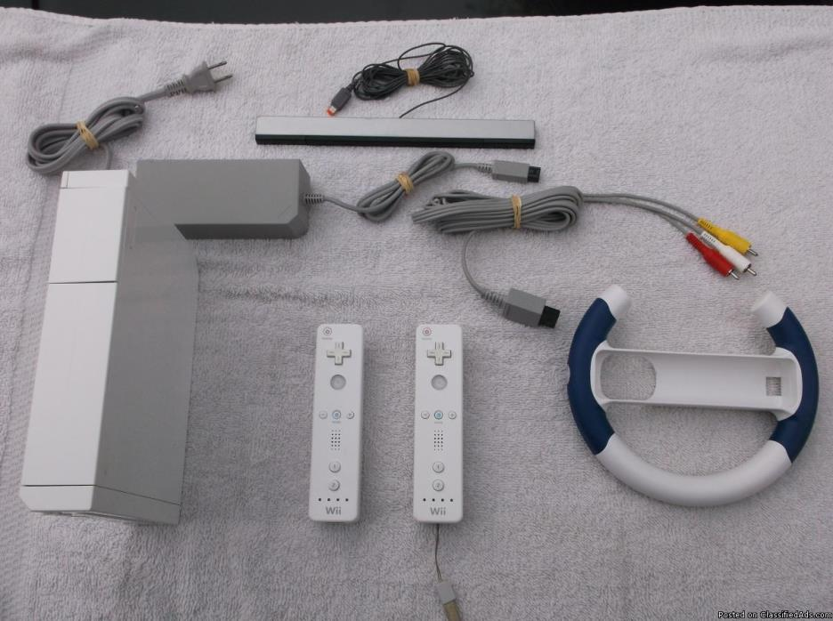 Wii with 2 Motion Controllers, Steering Wheel & 28 Good Games