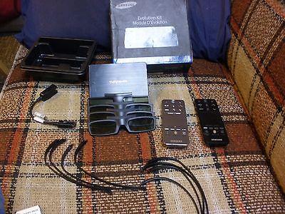 SAMSUNG EVOLUTION Kit 3d glasses . 2 touch remotes