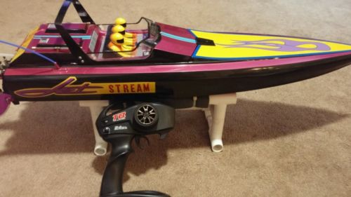 VINTAGE KYOSHO JET STREAM RACING BOAT WITH TRAXXAS VXL-6S SYSTEM