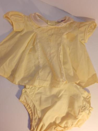 VINTAGE 1950S YELLOW & LACE BABY DRESS RUBBER PANTS FOR COMPOSITION DOLL OUTFIT