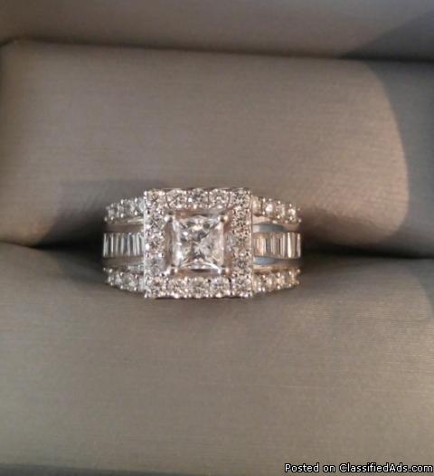 Beautiful 2CT Diamond Ring