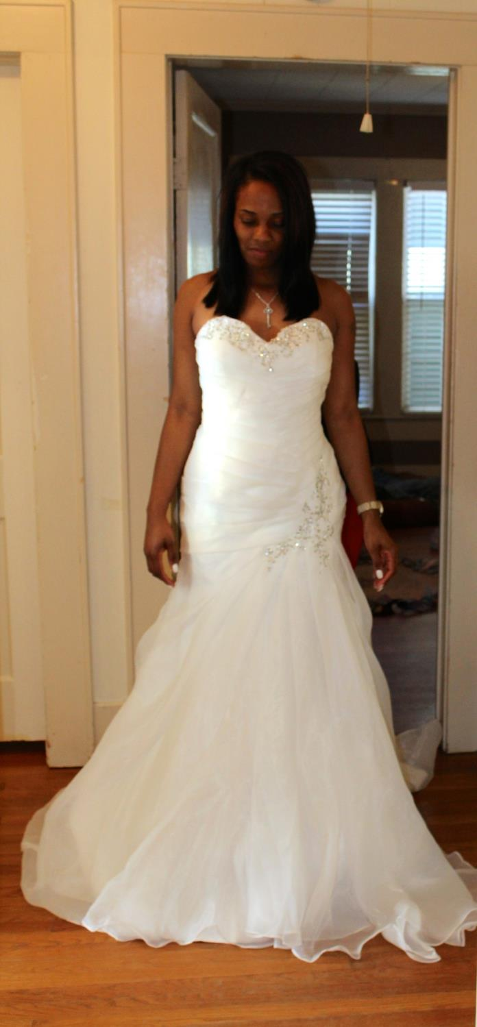 Lanna's Gorgeous Organza Sweetheart Off Shoulder Mermaid Wedding Dress