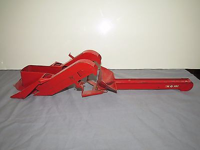 Tru Scale Mounted 2 Row Corn Picker Very Nice Original