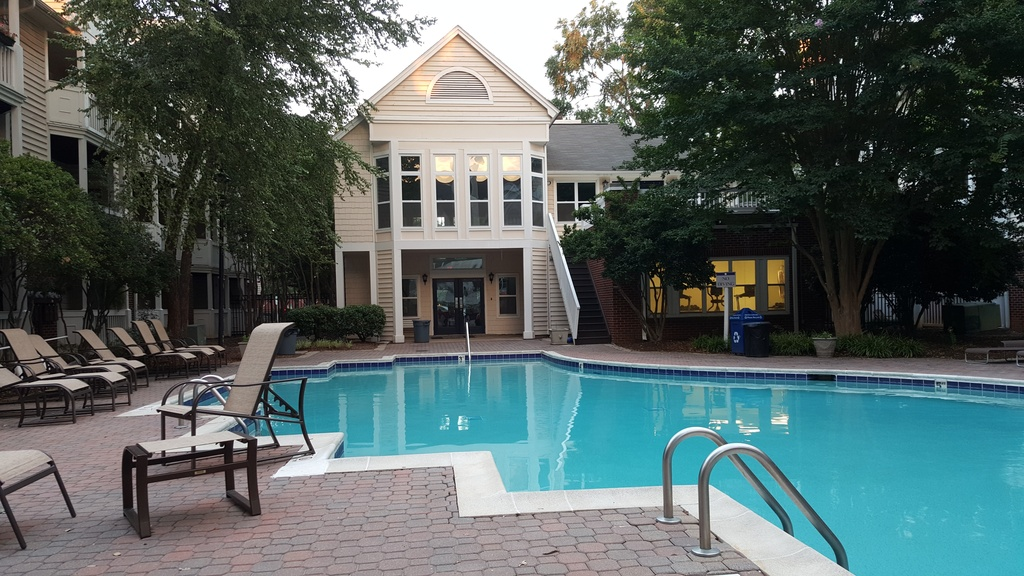 Uptown Charlotte, Room for rent in Huge and Spacious Condo