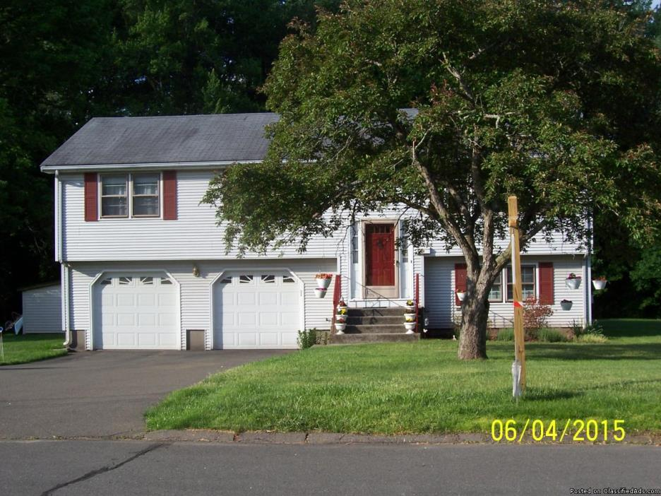 Newington 3br/11/2ba quiet street low traffic