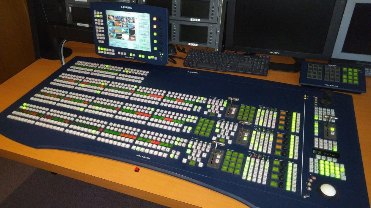 Snell Kahuna 3ME HD Vision/Video Switcher w/ integrated AUX Panel and Shotbox.