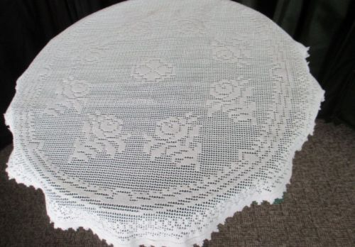 ROUND LACE TABLECLOTH - 30