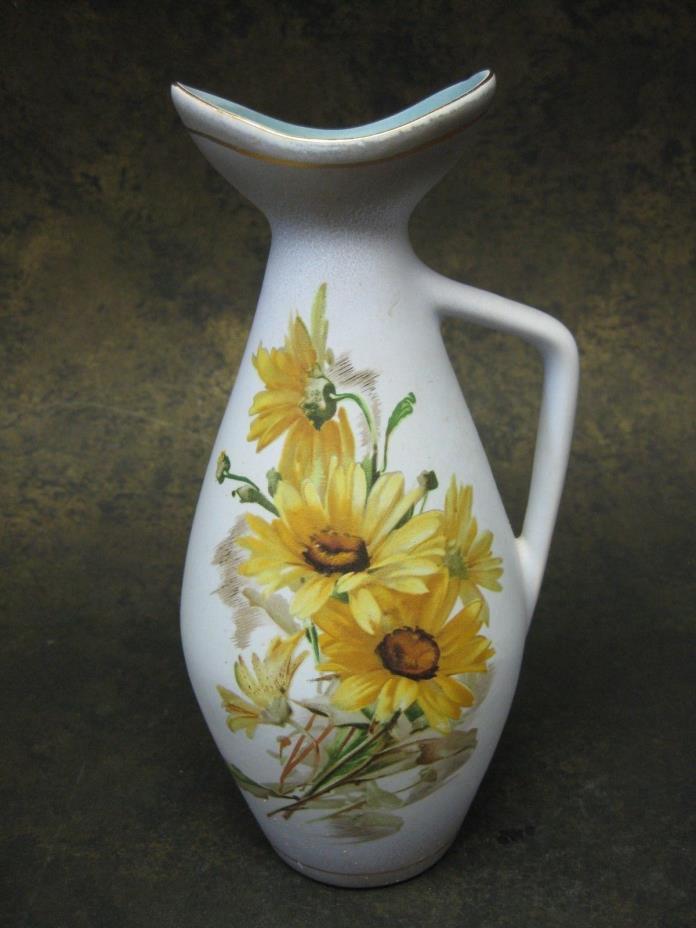 Vintage Gouda Flora Ewer Pitcher Vase Daisy #1477 Holland