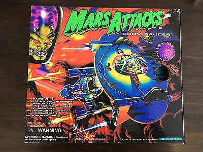 Mars Attacks Flying Doom Saucer 1996 Trendmasters