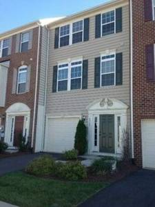 Roommate Wanted for 3Bd Luxury Townhome in Pantops (Pavilions at Pantops)