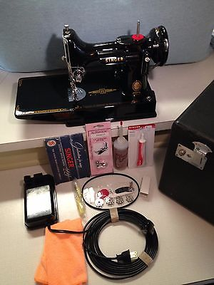 Vintage Singer 1956 Featherweight 221 Sewing Machine, portable for quilters