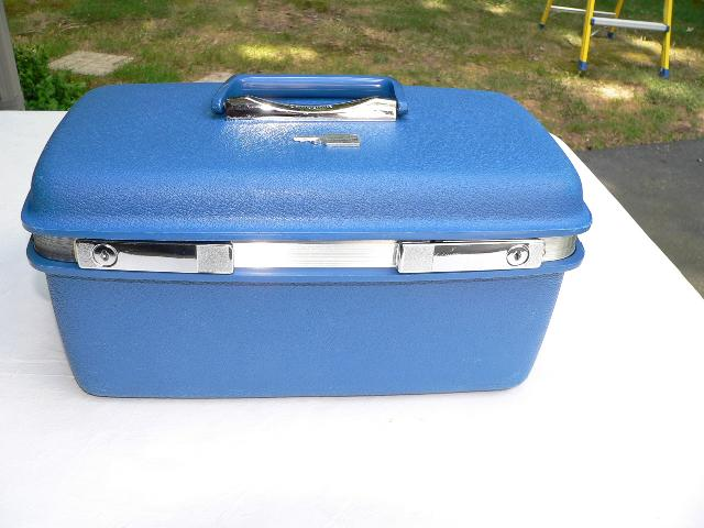 Vtg Samsonite Saturn Blue Train Case