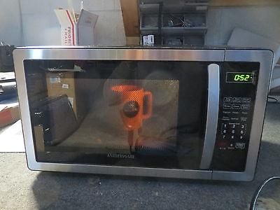 Farberware FMWO11AHTBKB Classic 1000W Microwave Oven, 1.1 cu. ft. Black