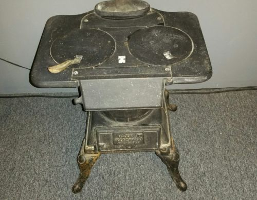Antique wood burning stove.  Major Foundry Co. Chicago IL