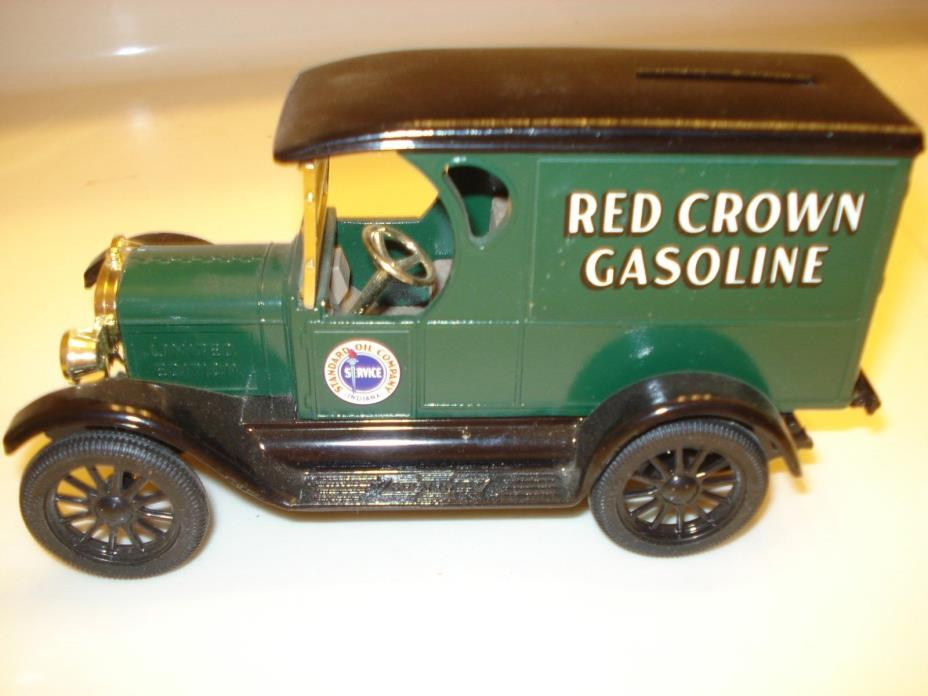 Ertl 1923 Chevy 1/2 Ton Amaco Red Crown Gasoline Fuel Truck Coin Bank 1:25 Scale