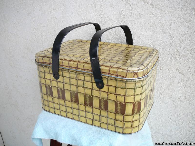 Metal  PICNIC  BASKET