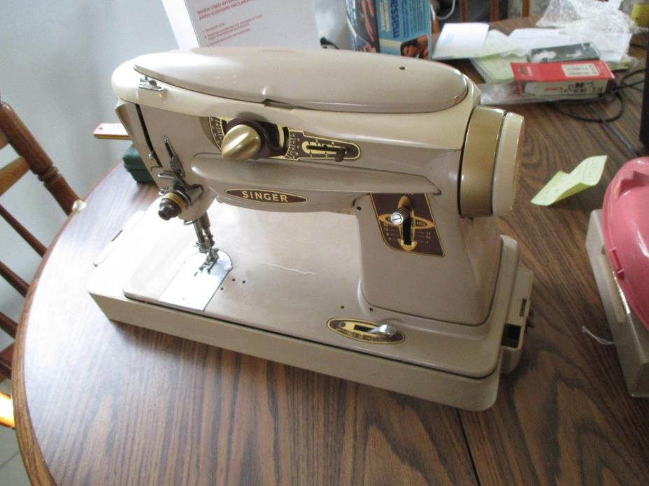 VINTAGE  SINGER SEWING MACHINE 500 A ROCKETEER