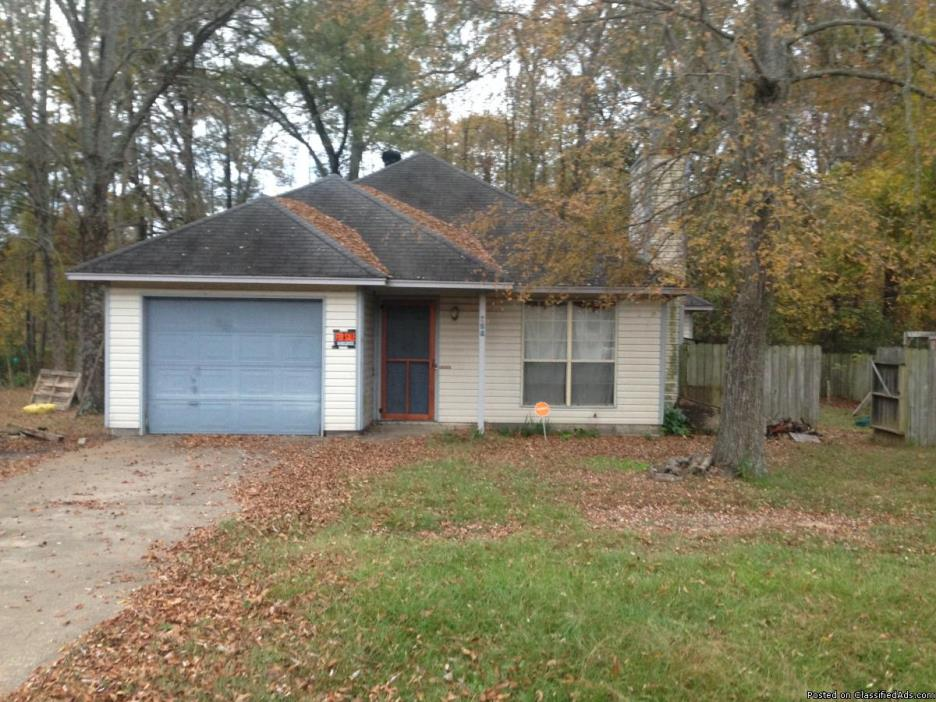 GREAT STARTER HOME WITH FINANCING AVAILABLE!!!!
