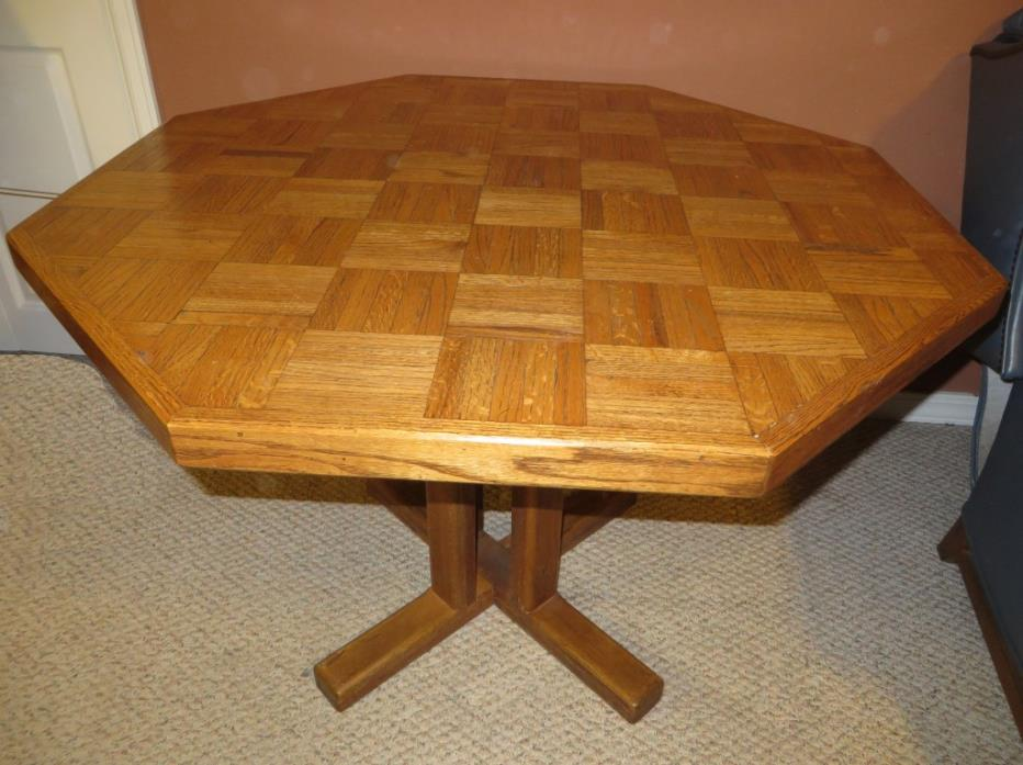 table--oak pedestal