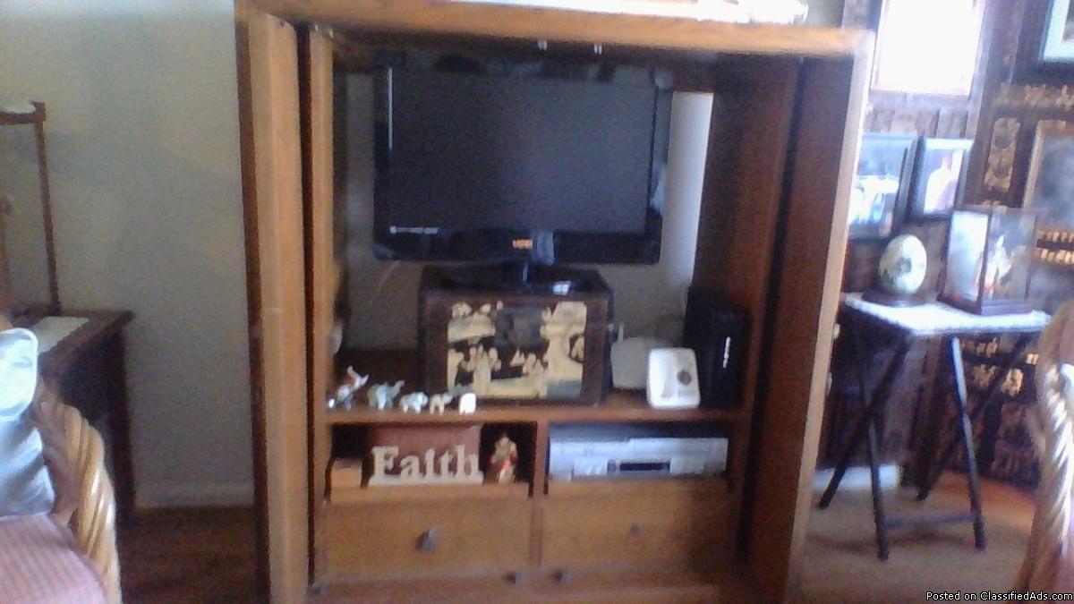 Beautiful Oak TV Cabinet