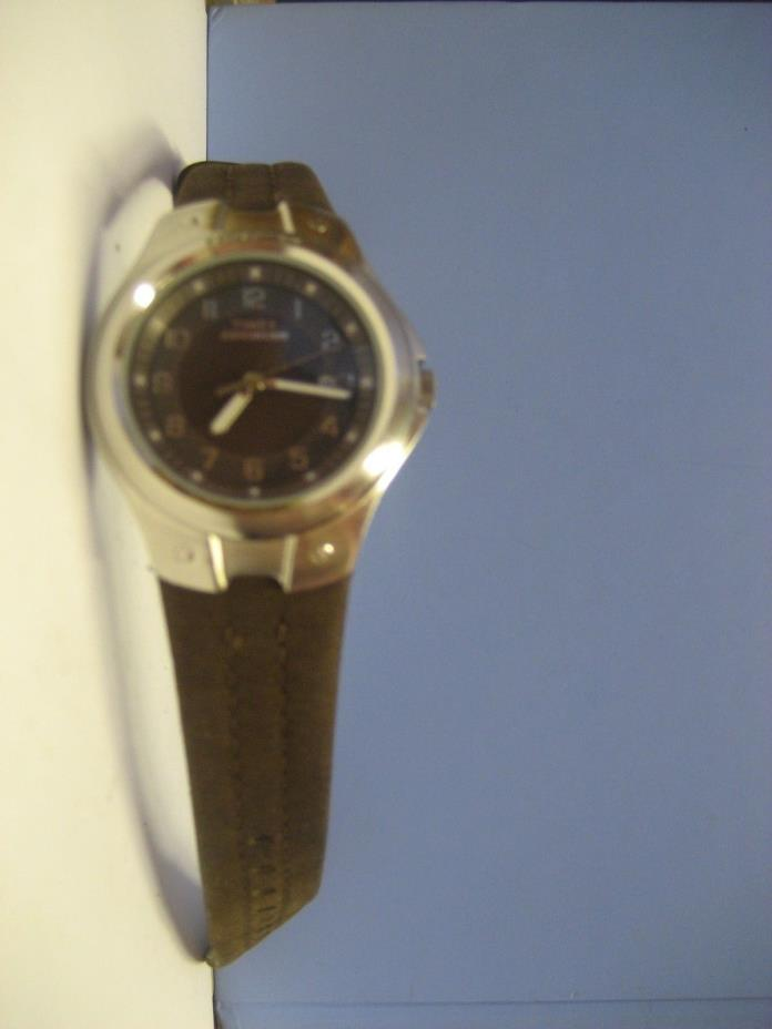 TIMEX EXPEDITION WATCH/BATTERY OPERATED/LEATHER BAND/NEEDS NEW BATTERY
