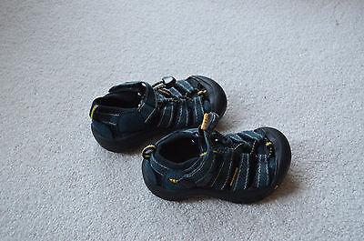 Keen: Boy's Blue Water Sandals Size