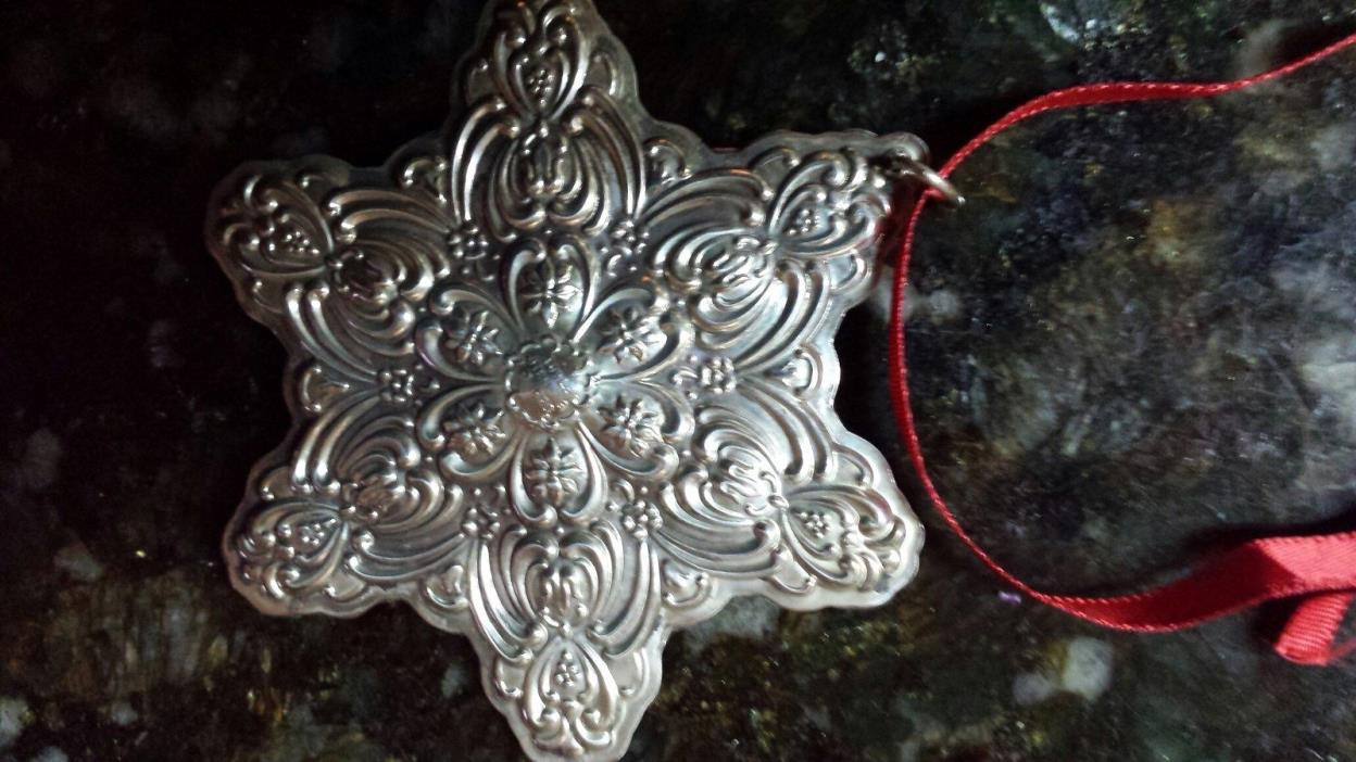 EXCELLENT CONDITION Christmas Ornament Snowflake Sterling Silver Towle 1996