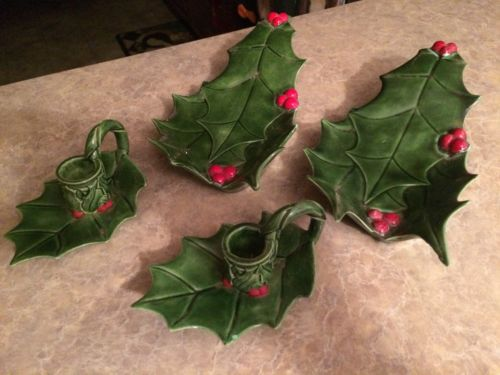Holly candle holder set