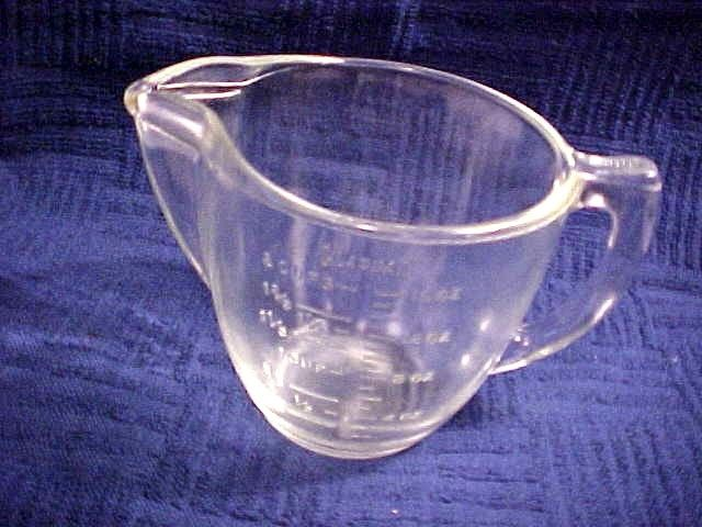 VINTAGE GLASBAKE 2 CUP MEASURING CUP CLEAR GLASS EMBOSSED MEASURE MARKS LQQK!