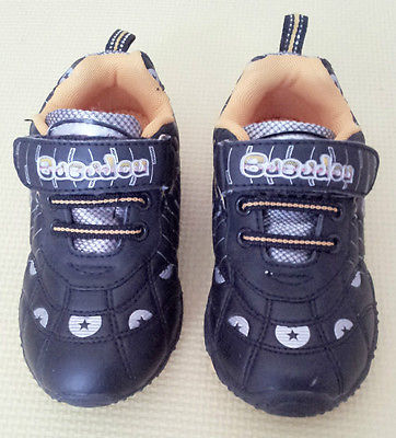 New Boy's Shoes Size 10.5