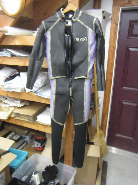 Womens Ronny Wetsuit and Vest LG Used VGC