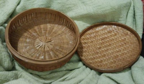 vtg finely woven basket antique sewing basket round cover lid label number minty