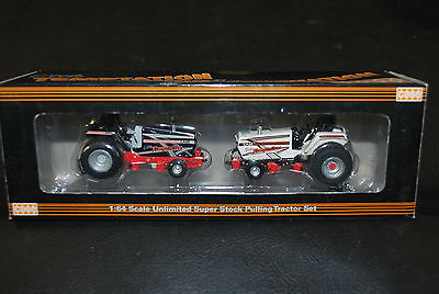 1/64 Case Big & Little Temptation pulling tractor set New in Box by Spec Cast