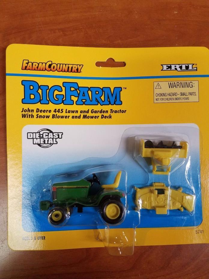 Ertl Farm Country John Deere 445 Lawn & Garden Tractor #5742 1:64 - NEW